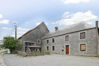 Cosy holiday cottage for 9 persons to rent at the heart of Philippeville