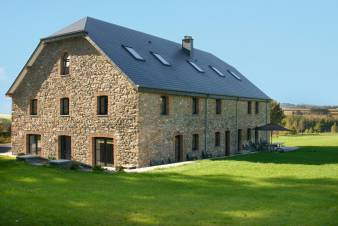 Holiday home in Redu for 12 people in the Ardennes