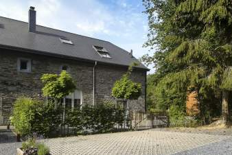 Holiday cottage in Redu for 14 persons in the Ardennes