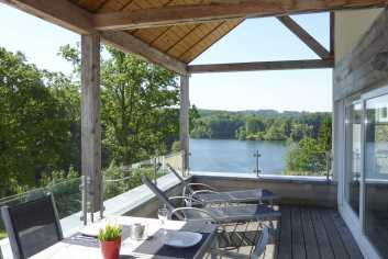6-person luxury flat with view on Robertville Lake