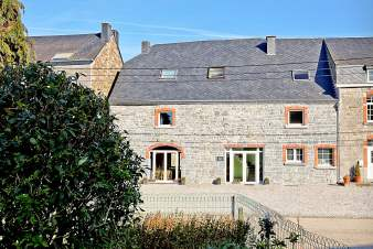 Holiday group accommodation with wellness room to rent in Rochefort