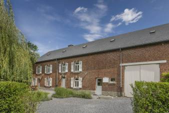 4.5-star farmhouse conversion for 14 persons near Rochefort