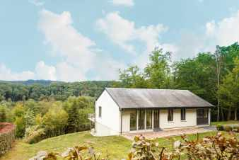 Holiday cottage in Rochehaut for 8 persons in the Ardennes