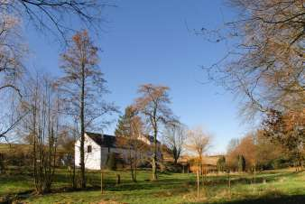 Small farmhouse converted into holiday cottage for 6 persons in Sivry