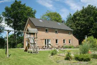 Holiday cottage in Sourbrodt for 10 persons in the Ardennes