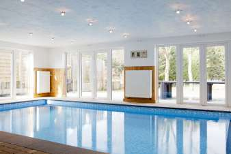 Luxury holiday villa for pool and wellness for 15 pers. in Sourbrodt