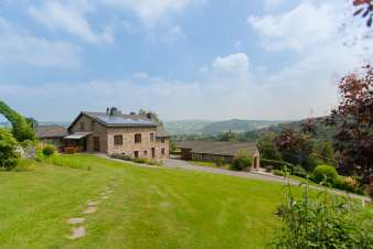 Comfortable chalet with fantastic garden and stunning views in Stavelot
