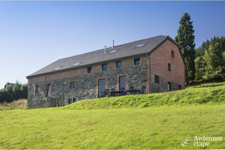 Large group accommodation for 14 per. to rent on the heights of Stavelot