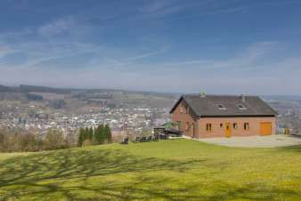 Holiday home for 19 persons with panoramic view of Stavelot