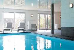 Luxury holiday villa with swimming pool for 22 pers. to rent in Stavelot