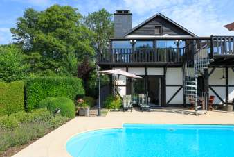 Luxurious rental holiday flat with heated pool for a couple in Stoumont
