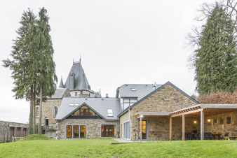 Former castle transformed into luxurious villa for 22 people in Stoumont