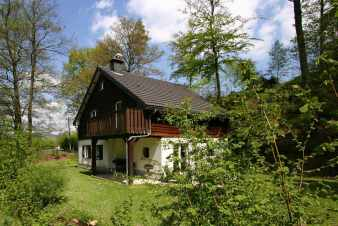 Lovely chalet with sauna and fireplace in the middle of the Ardennes in Stoumont