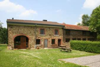 Picturesque holiday cottage with fitness room for 9 pers. in Stoumont