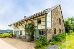 Holiday cottage in Stoumont for 9 persons in the Ardennes