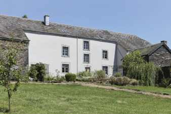 Magnificent 1800s farm converted into a holiday cottage for 8 persons