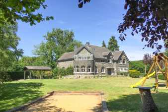 Luxury castle in Tenneville for 21 persons