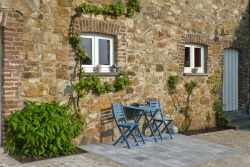 Charming rental holiday house for 2 pers. to rent in Theux, dogs allowed