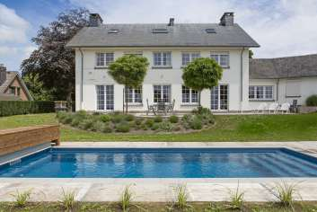 Luxury villa with garden, pool and wellness for 9 pers. to rent in Spa