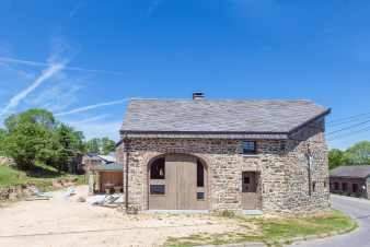Old barn transformed into a luxury cottage for 8 people in Trois-Ponts