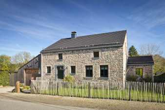 An authentic cottage from the Ardennes for 6 to 8 people in Trois-Ponts