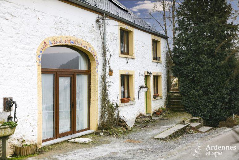 Holiday stone house cottage for 4/6 pers. to rent in Vencimont