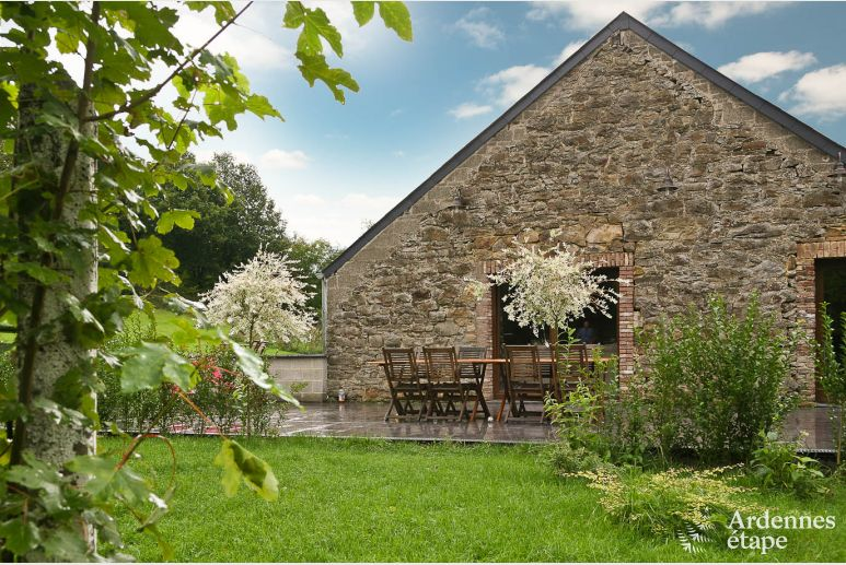 Holiday stone house cottage for 6/8 pers. to rent in Vencimont