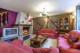 Charming and authentic holiday house for 12 pers. to rent in Vencimont