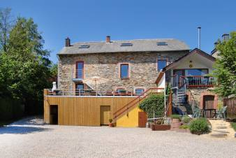 Nice holiday home for groups of 19 to 21 people in Vielsalm in the Ardennes