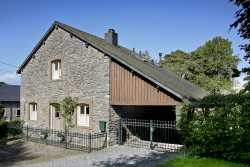 Charming holiday house in a domain for 6 pers. in Vielsalm
