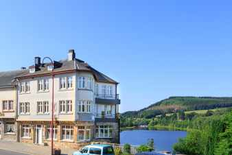 Comfortable holiday home for 34 persons in Vielsalm with indoor pool and sauna