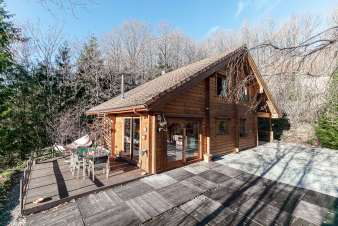 Chalet for 6 - 8 people with bubble bath and beautiful view in Viroinval
