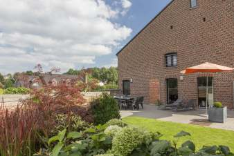 Holiday cottage with garden for 12 pers. to rent in Voeren, dogs allowed