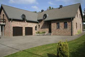 Holiday cottage in Waimes for 8/12 persons in the Ardennes