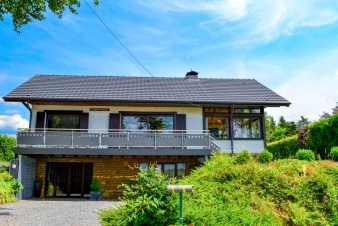 Holiday cottage with sauna and jacuzzi to rent for a stay in Xhoffraix
